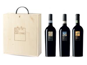 Feudi di san gregorio cassetta in legno 3 bottiglie:  - 1 greco di tufo docg cl 75 - 1 falanghina doc cl 75 - 1 fiano cl 75