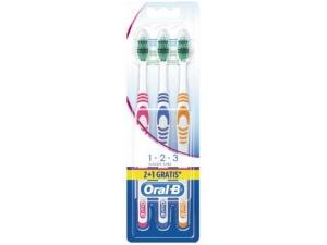 Oral b spazzolino  classic care pz 2 + 1 gratis